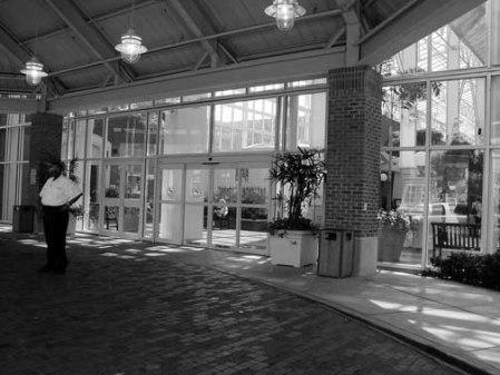 0155-hotel-entrance-baton-rogue-dsc09753-04-24-09u