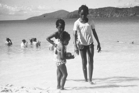 0300 children-beach st thomas 1976 FH000003 09-16-09u