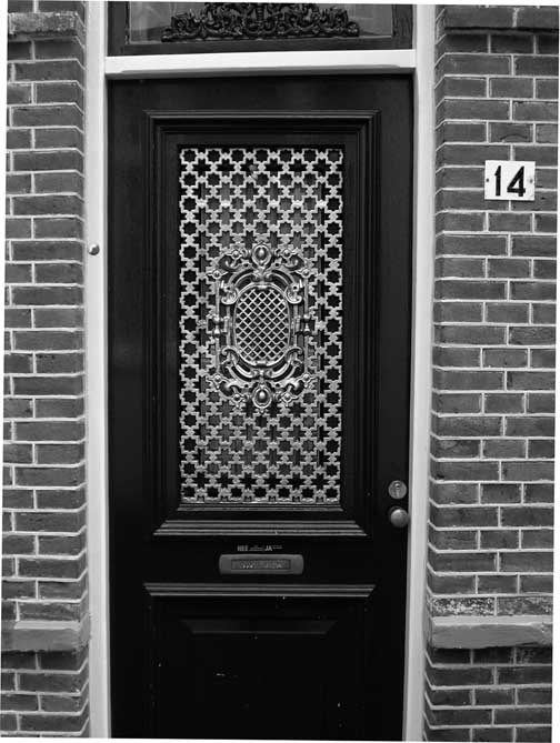 Door & August | 2010 | The World ReBooted® Pezcame.Com