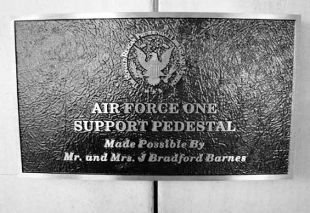 2013 030913 SIGN DSC03281 reagan library simi valley air force one 2700 SUPPORT PEDESTAL SIGN 1 OF 2 useme