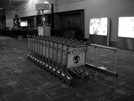 2013 040413 AIRPORT baggage carts STL dec08 DSC08866 useme