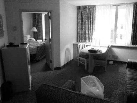 2013 041113 HOTEL ROOM DSC08430 STL embassy suite airport RM 618 useme